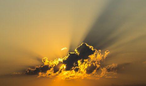 تفسير حلم رؤية أبواب السماء مفتوحة مغلقة في المنام