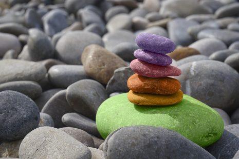 تفسير حلم رؤية الحجر أو الحجارة في المنام