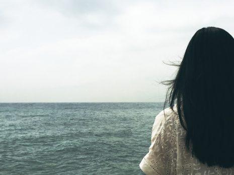 تفسير حلم رؤية وضع الحناء على الشعر في المنام