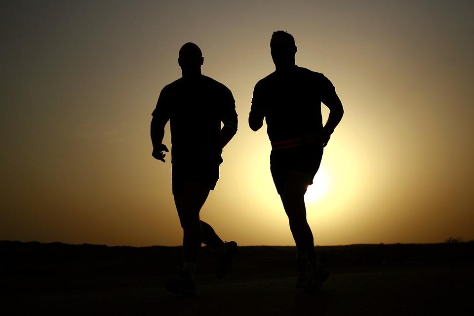 فوائد المشي ساعة يومياً ... جسم مثالي وسليم