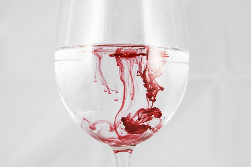 تفسير حلم رؤية الدماء في المنام لابن سيرينBlood