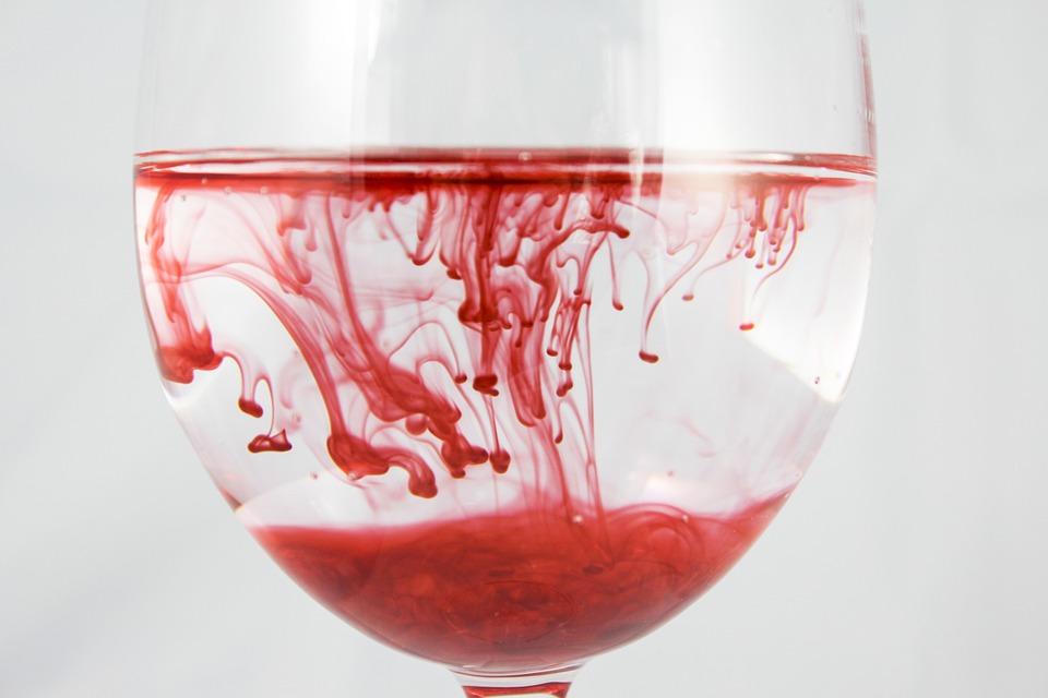 تفسير حلم رؤية الدم في المنام ابن سيرين