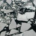 تفسير حلم رؤية تجميد ماء البحر في المنام لابن سيرين