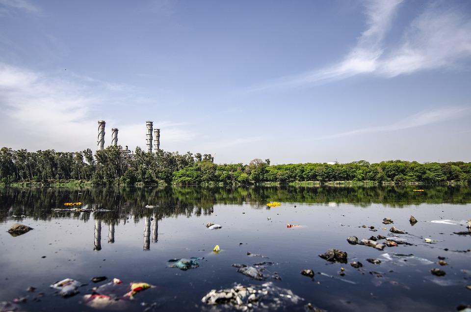 تفسير حلم رؤية الماء الملوث في المنام ابن سيرين