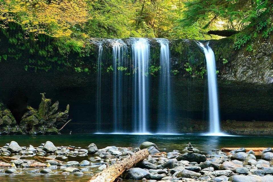 تفسير حلم رؤية جريان الماء في المنام لابن سيرين